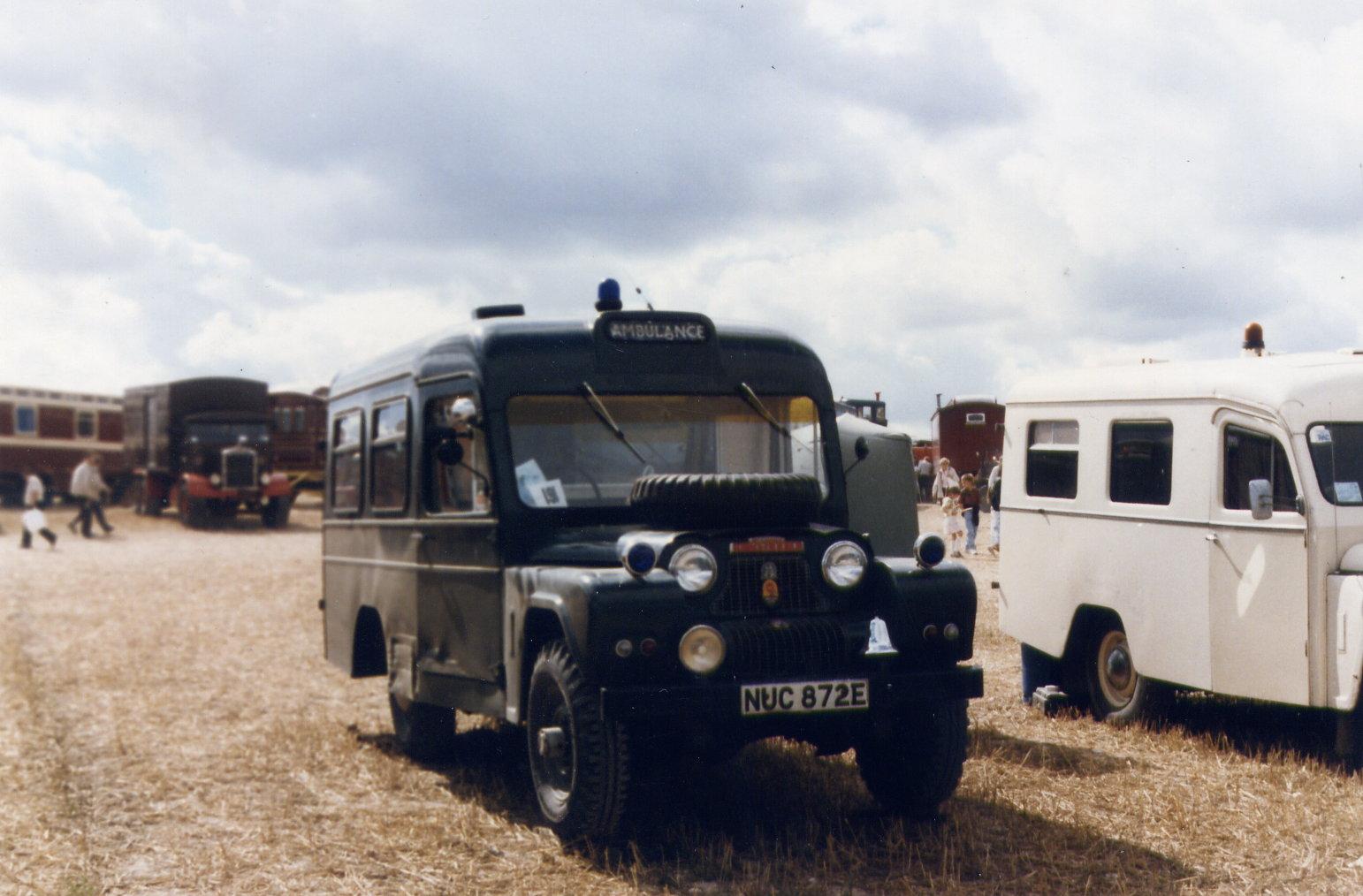 austin-gipsy-lwb-ambulance-nuc-872-e.jpg