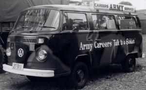 VW Minibus Australian Army Careers Advice (27-900)