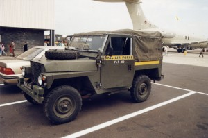 Land Rover S3 Lightweight (93 KA 70)