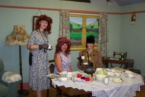 Three 1940s Glamourpusses, Bantock Park 1940s Show, 2009