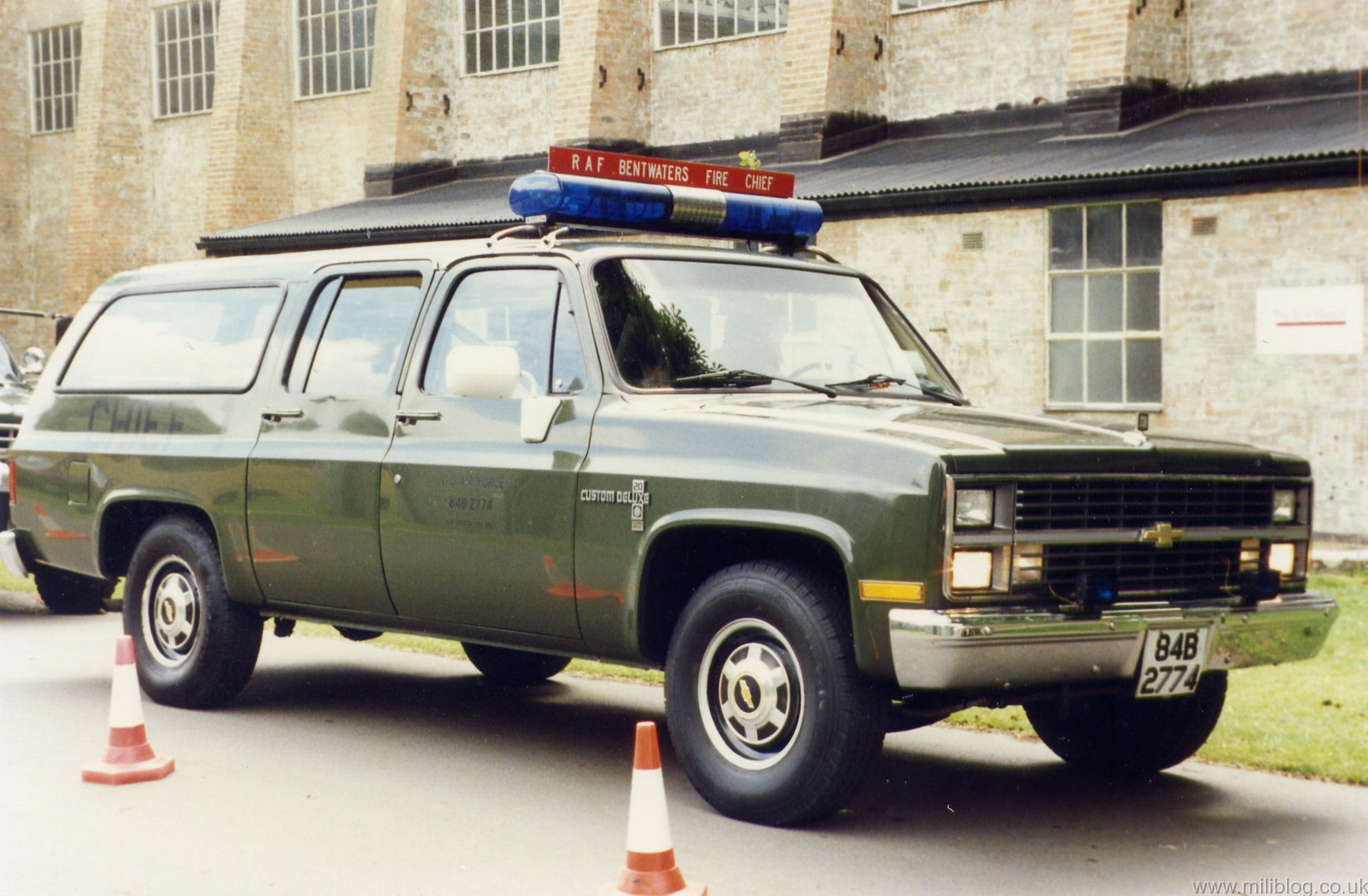 Station Wagon (84B-2774)