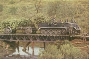 Sd Kfz 7 Half Track & 105mm Howitzer