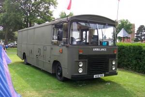 Dodge Commando RG13 Coach (A 135 YOX)(18 KA 92)