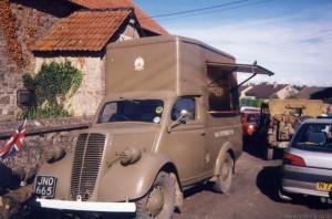 Ford 10 NAAFI Van (JNO 665)