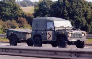 Land Rover 90 Defender (LT 42 AA)